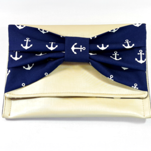 Clutch with navy bow!