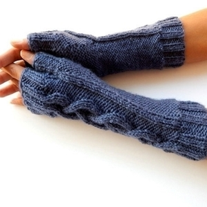DENIM BLUE KNIT FINGERLESS GLOVES