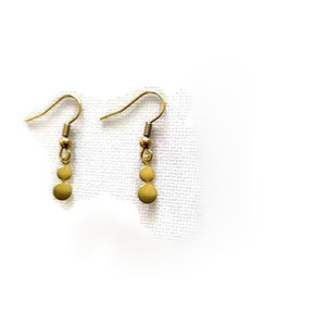 Minimal dangling earrings