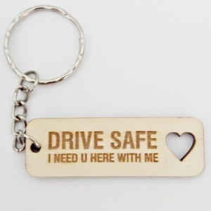 "ΝΕW wood collection , μπρελόκ ""DRIVE Safe"""