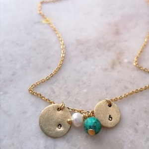 Minimal chain necklace with two initials and with natural stones