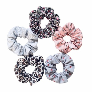 Scrunchies βαμβακερά εμπριμέ
